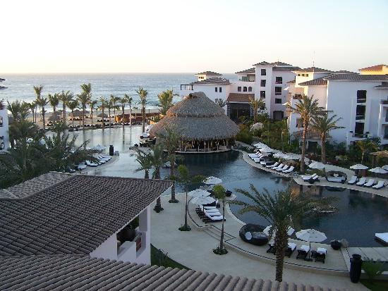 Cabo Azul Resort: Pool and Beach area from rm 2504