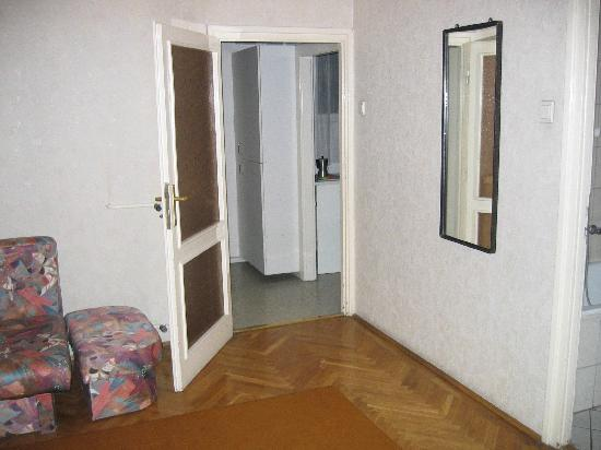 Radio Inn: Dress room, with corridor to kitchen (r)