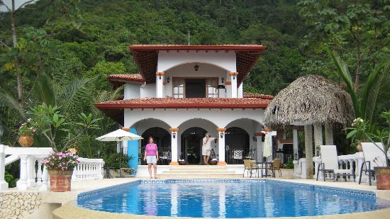 Villa Ambiente: Building