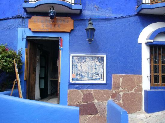 La Casa Azul: entrance to casa azul