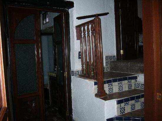 La Casa Azul: stairs from bedroom to bath
