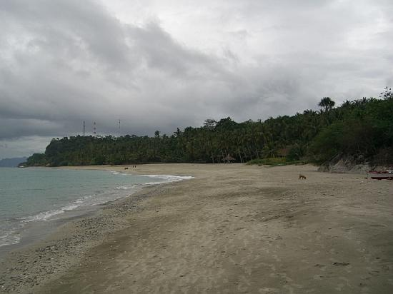 Sunset at Aninuan Beach Resort: View of the main beach .