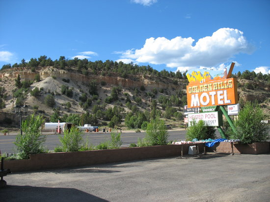 Golden Hills Motel: Nice area