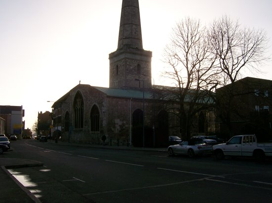 ‪St Michael's Church‬