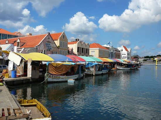 Willemstad, Curazao: Floating Market
