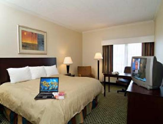 Ramada Newark/Wilmington: room 1
