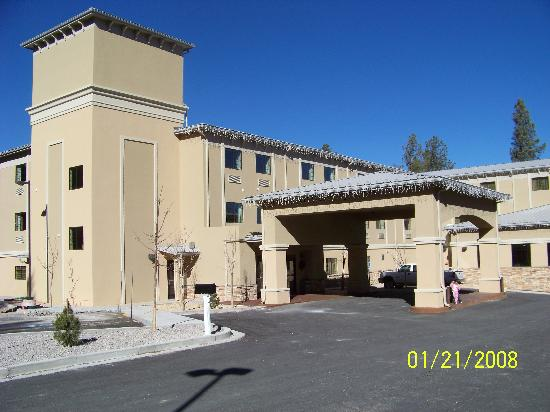 Hotel Ruidoso - Midtown: Outside from parking lot