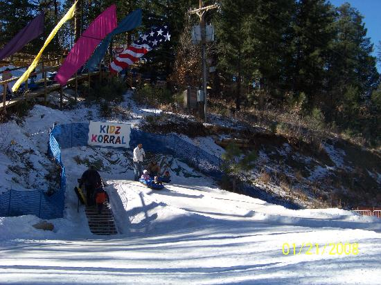 Hotel Ruidoso - Midtown: Tubing at Ruidoso Winter Park was a blast!