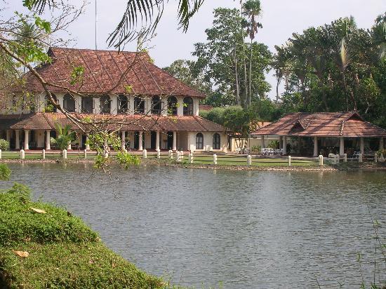 Vivanta by Taj - Kumarakom: the lake