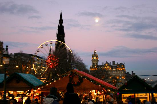 The Balmoral Hotel: Christmas in Edinburgh with the Balmoral in the background