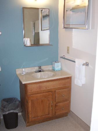 Mazama Village Motor Inn: Salle de bain - Bathroom