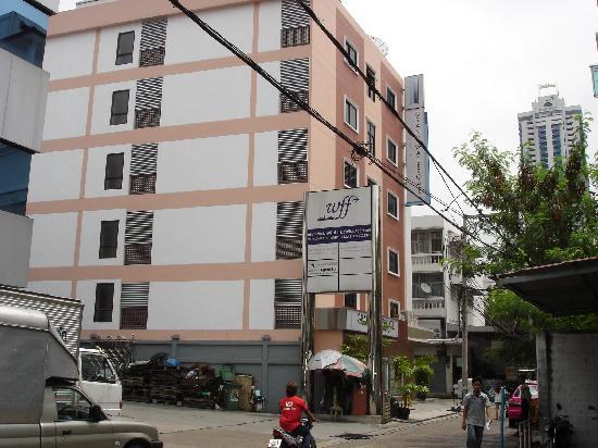 Grand Watergate Hotel : Hotel building