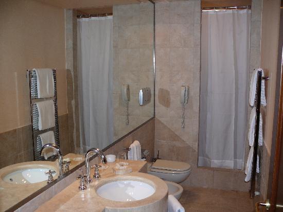 Palazzo Selvadego: cuarto de baño