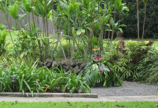 MauiWine: grounds of tedeschi winery