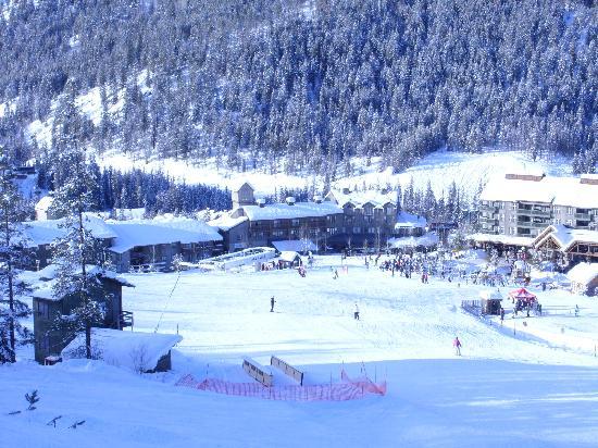 Panorama Mountain Resort: Resort from the hill