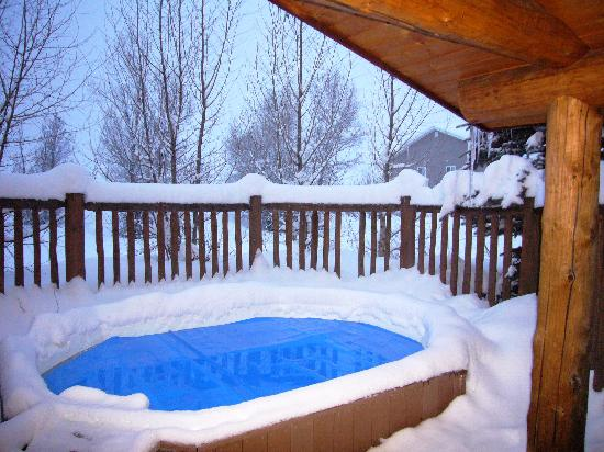 Steamboat Mountain Lodge: Hot tub