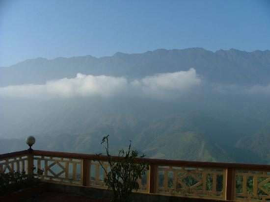 Holiday Sapa Hotel: View from Balcony off top floor suite Royal View Hotel