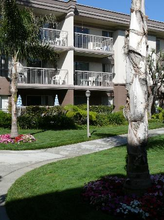Marina del Rey, Californië: Exterior of one building