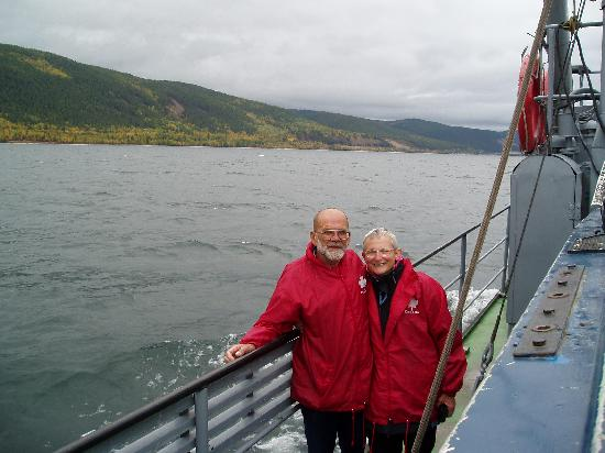 Siberia, Rusia: Al and I marvelled at the great vastness of Lake Baikal!
