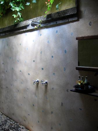 Jamahal Private Resort & Spa : douche extérieure