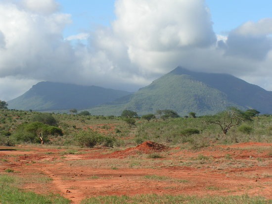 Tsavo National Park West, Kenia: Mountains in Tsavo National Park