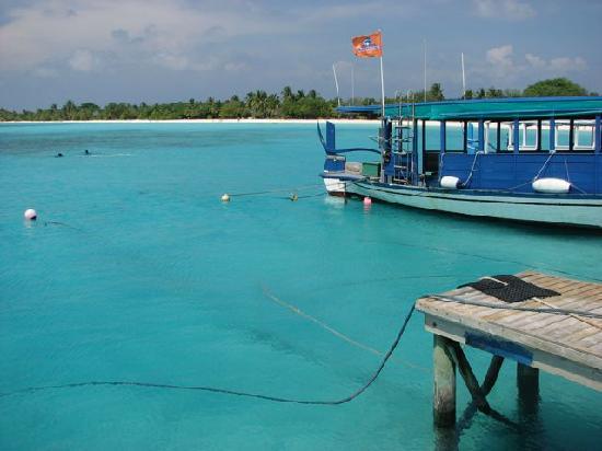 Kuredu Island Resort & Spa: Southern beach from the Jetty