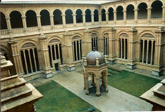 Salamanque, Espagne : The King's Cloisters of the Convento de San Esteban, Salamanca, Spain