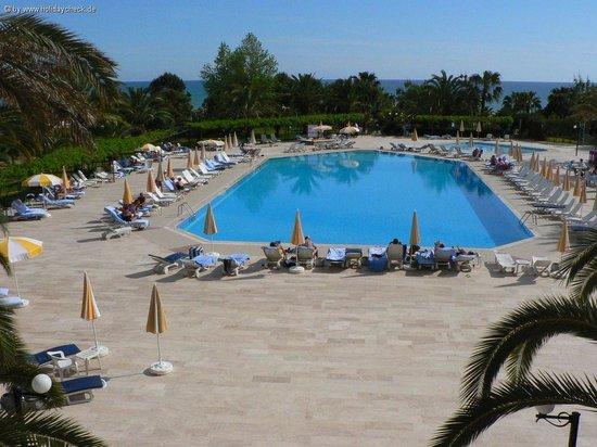 Miramare Queen Hotel: piscine