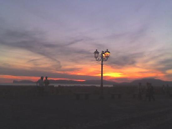 Casa Maiorca Apartments : mojita's at sunset