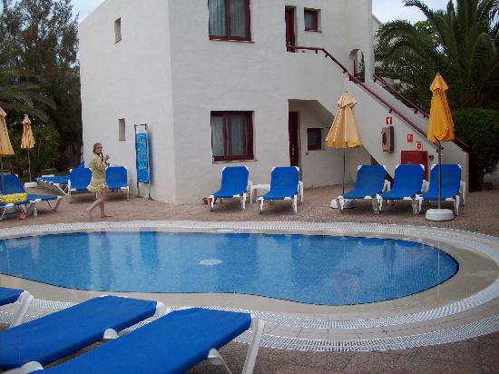 The relax pool. - Picture of Alua Suites Fuerteventura ...