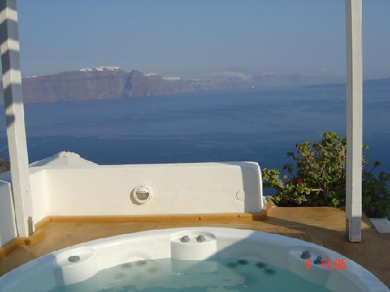 Residence Suites: jacuzzi  and view