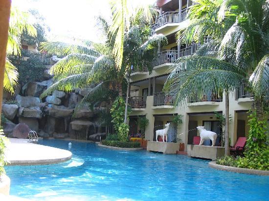 pool area picture of phuket marriott resort spa. Black Bedroom Furniture Sets. Home Design Ideas