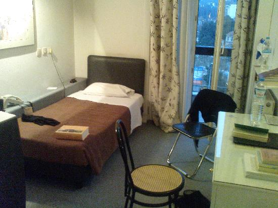 Hotel ABC: Room