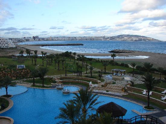 Movenpick Hotel & Casino Malabata Tanger : vue de la baie depuis la chambre