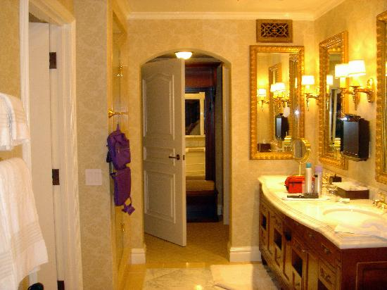 Fairmont Grand Del Mar: Best. Bathroom. Ever.