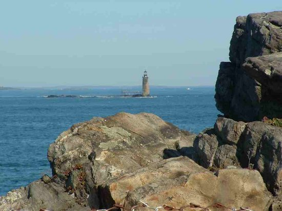 Портленд, Мэн: A light house near THE lighthouse
