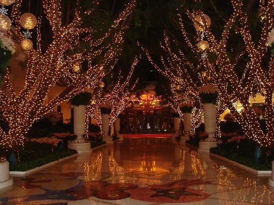 Wynn Las Vegas Christmas Decorations | Psoriasisguru.com
