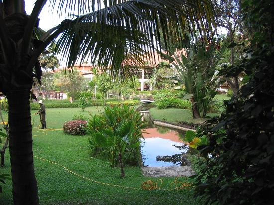 Angkor Palace Resort & Spa: Grounds