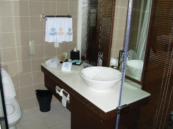 Sheraton Laguna Guam Resort: Bathroom