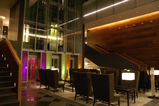Mövenpick Hotel Stuttgart Airport & Messe: Lobby