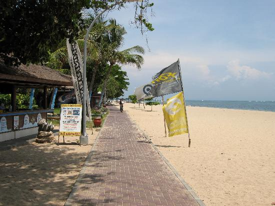 Prama Sanur Beach Bali: The beach in front of hotel