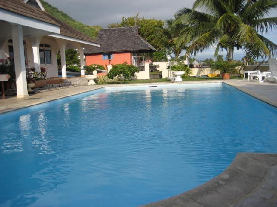 Hiti Moana Villa : pool - not as big as it looks