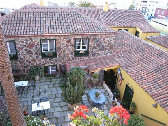 Hotel Rural Senderos de Abona : View of courtyard