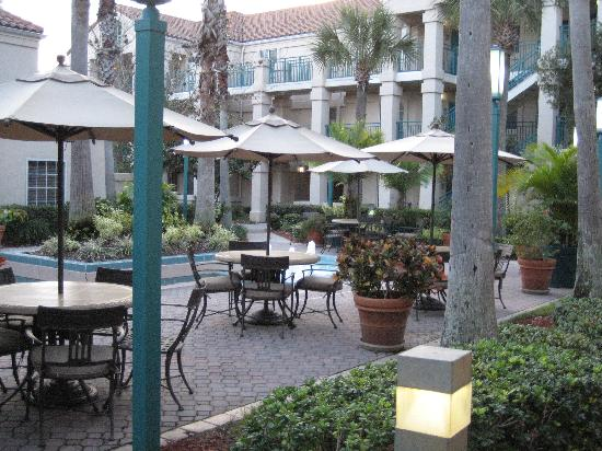 Staybridge Suites Lake Buena Vista: The grounds