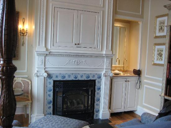 Gas fireplace, wetbar and enclosed TV - Picture of The Chanler at ...