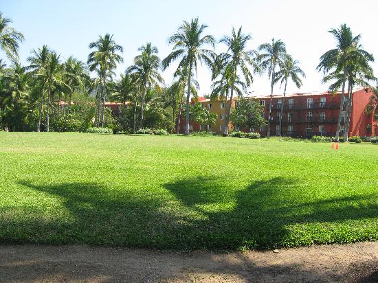 Club Med Ixtapa Pacific: The grounds