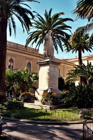 Sorrente, Italie : Piazza San Antonio in Sorrento