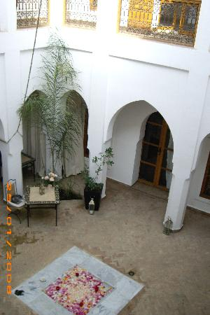 Riad Miski: patio