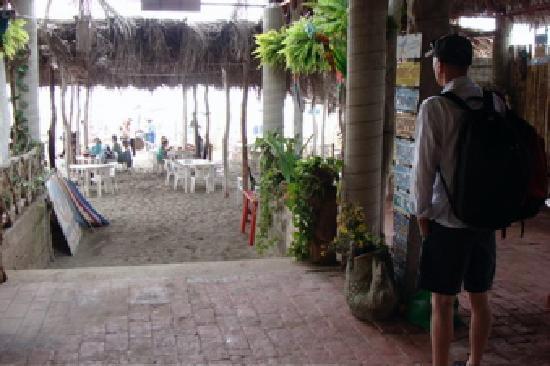 Mazatlan highlights and Papantla Flyer Tour: Enttering through cafe to beach
