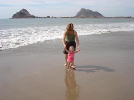 Mazatlan highlights and Papantla Flyer Tour: Beautiful beach at Stone Island